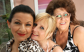 Four mature lesbians have some serious fun