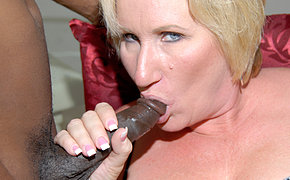 Kinky mama object two black cocks at once