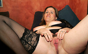 Kinky housewife effectuation with a significant dildo