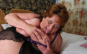 Big mama squirts and gets a element full of cum