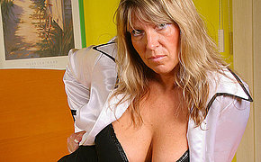 Big titted mature Tracy gets mortal physically wet