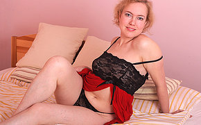 Naughty mature Peska loves effectuation with her pussy