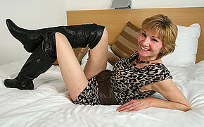 Horny Dutch mature slut playing with reference to their way sopping pussy
