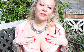 British inked housewife getting naughty in her garden