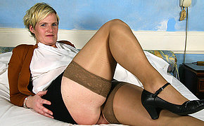 Horny Dutch housewife playing with her knickknack
