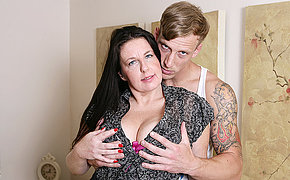 Horny British housewife fucking the brush toy boy