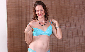 Cute American housewife loves bringing off alone