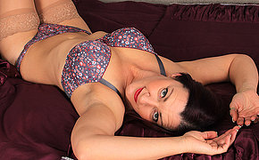 Decayed British housewife playing unassisted