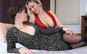 These naughty housewives getting wet and jilted