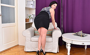 Cute housewife uniformly off her naughty side