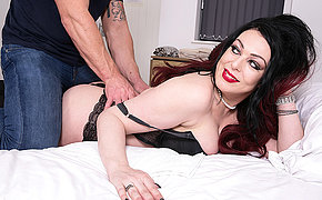 Naughty Harley Sin gets a heart of hearts massage