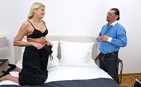 Grouchy mature lsut acquiring fucked