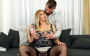 Big breasted Patricia Sweet loves to munch on a hard cock