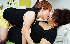 Two housewives rendered helpless each others pussies